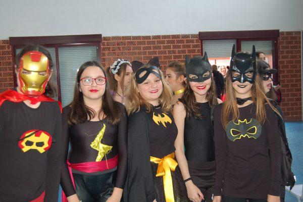 Viernes de Carnaval en el Colegio – Secundaria